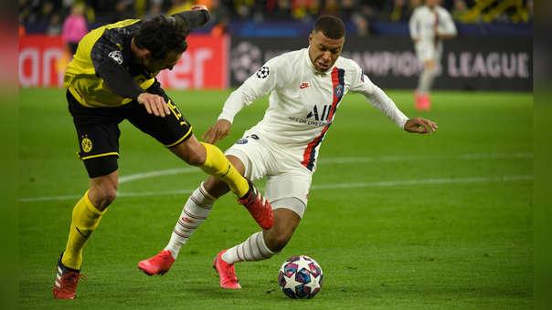Se retorcía de dolor: Kylian Mbappé y el duro golpe que recibió de Hummels