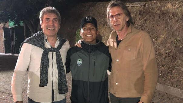 Ricardo Gareca continúa visitando a los futbolistas peruanos que militan en el exterior.