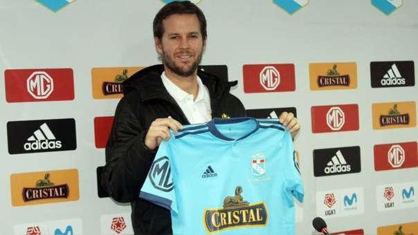 Manuel Barreto fue destituido como técnico de Sporting Cristal.