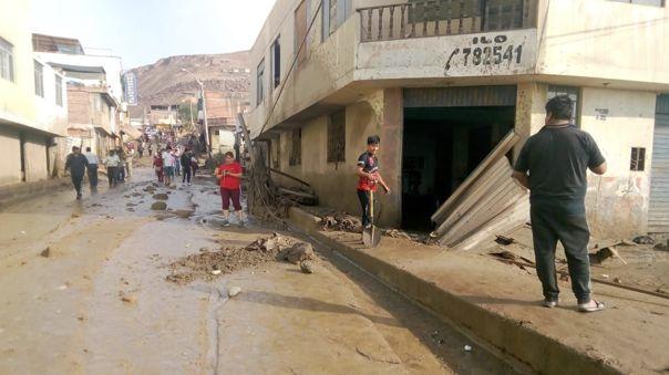 Caída de fuertes lluvias y huaicos han azotado la zona sur del país.