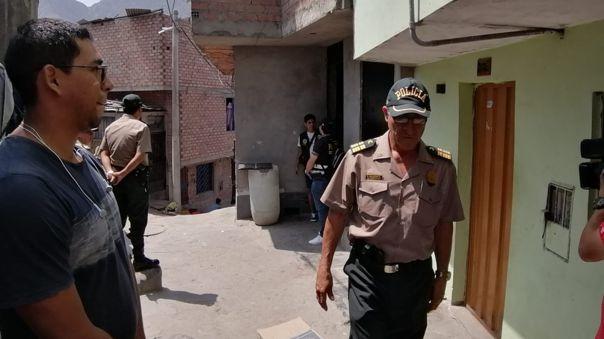 Agentes policiales llegaron hasta la vivienda del menor de edad.