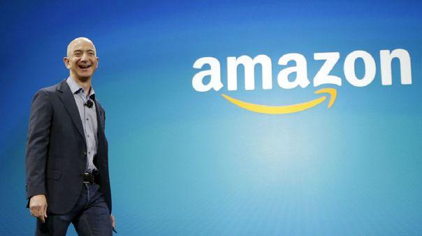 El hombre más rico del mundo inició Amazon en 1994 vendiendo libros en línea.