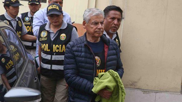 César Villanueva cumple una orden de prisión preventiva.