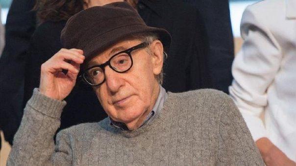 Cancelan lanzamiento de la autobiografía de Woody Allen.