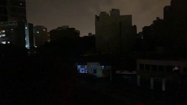 Varios oyentes de RPP reportaron un apagón en varios distritos del sur, este martes por la noche.