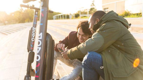 MOVO y otras empresas de scooters anunciaron la suspensión del servicio