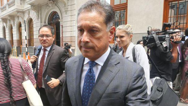 Gerardo Sepúlveda tiene una orden de impedimento de salida del país hasta que declare como testigo en el caso Interoceánica en un plazo máximo de dos mes desde el pasado 27 de febrero.
