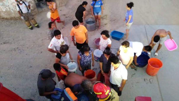 Pobladores padecen por falta de agua en el distrito de Olmos