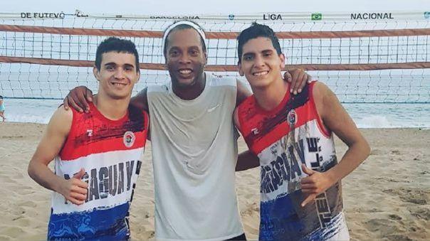 Ronaldinho con Fernando Lugo.
