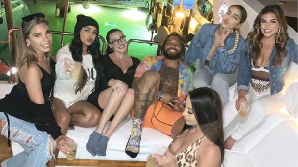 Crack de la NFL hizo fiesta con modelos en plena cuarentena