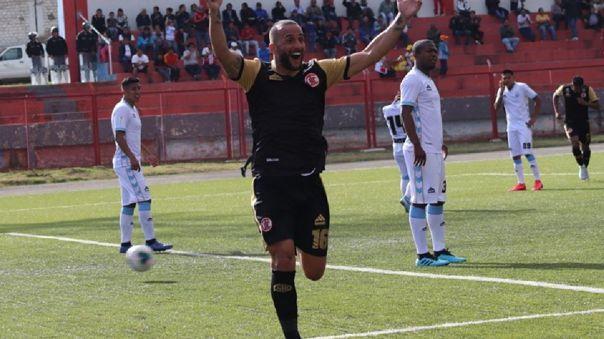 Mauro Guevgeozián volvió al fútbol peruano para defender la camiseta de UTC de Cajamarca.