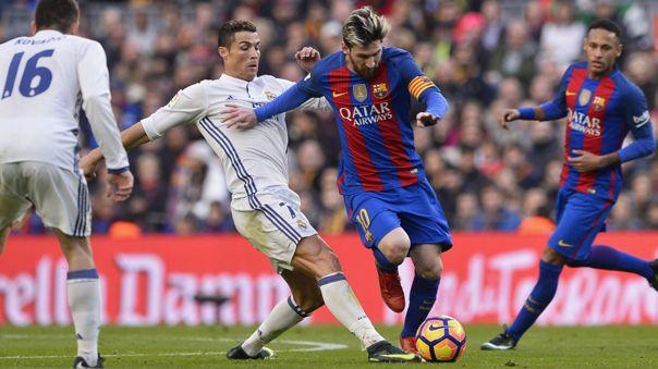 Cristiano Ronaldo y Lionel Messi durante un enfrentamiento en La Liga