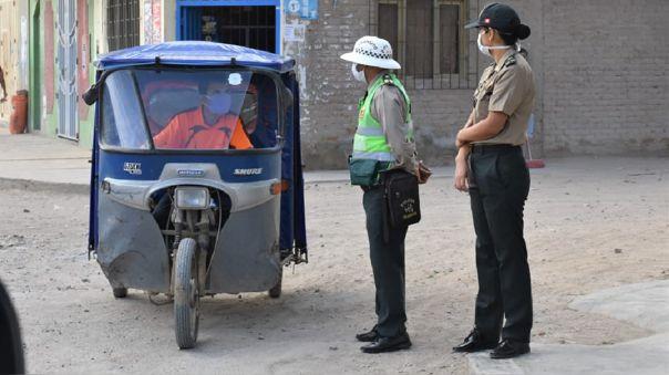 Prohíben circulación de mototaxis para hacer cumplir estado de emergencia