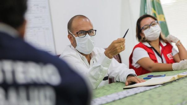 Víctor Zamora, ministro de Salud, visitó hoy en Loreto