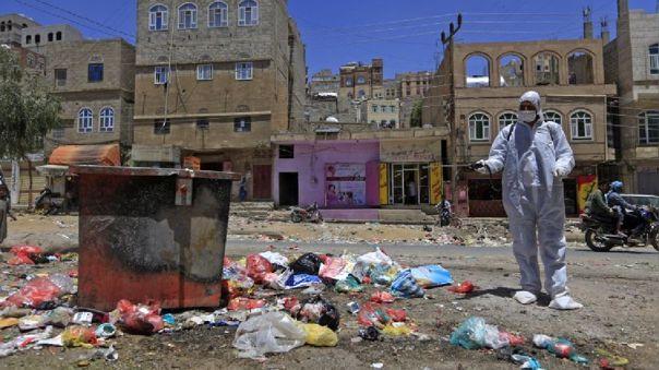Yemen, un país desolado desde hace años por la guerra, teme no poder soportar un eventual borte de coronavirus.