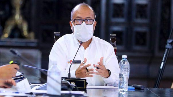 Ministro de salud informa sobre la población extranjera en el país.