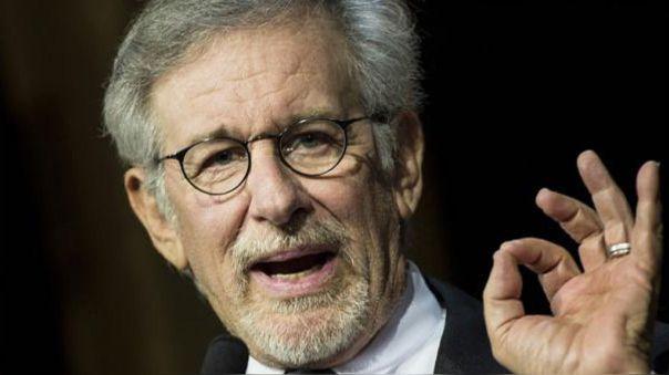 Steven Spielberg dona comida y medio millón de dólares para víctimas del COVID-19.