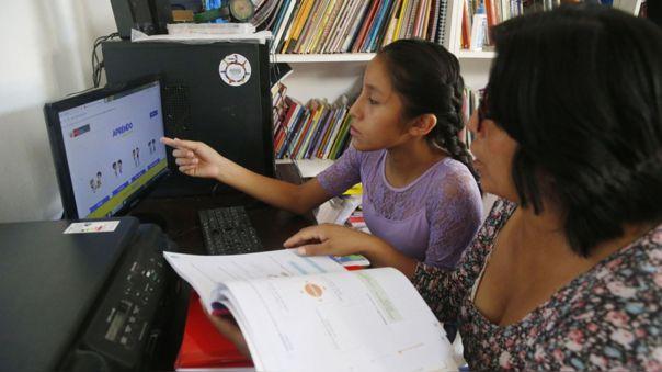 Las clases iniciaron para el nivel de primaria a través de internet, radio y televisión.