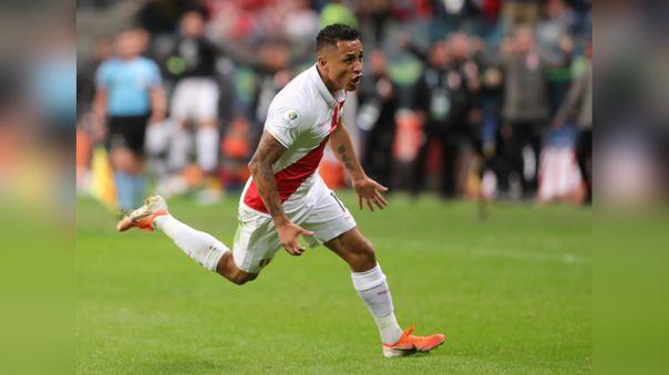 Yoshimar Yotún celebrando su gol ante Chile por la Copa América