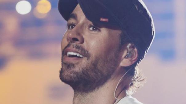 Enrique Iglesias aplaza conciertos hasta el 2021.