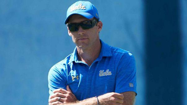 Rikus De Villiers triplicó la dificultad del reto de Roger Federer