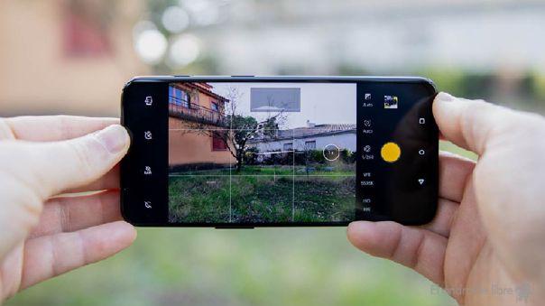 Al mover rápido tu celular puede que el autoenfoque no funcione y tu foto salga borrosa.