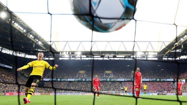 Bundesliga se jugaría sin público hasta final de temporada