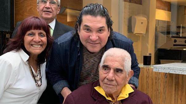 Gastón Acurio se despide de el maestro cevichero Pedro Solari, quien falleció a los 98 años.