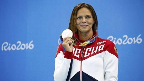 Yuliya Efimova tras ganar su segunda medalla de plata en Río 2016