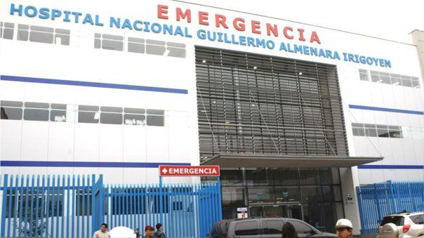 Hospital Almenara anuncia más camillas.