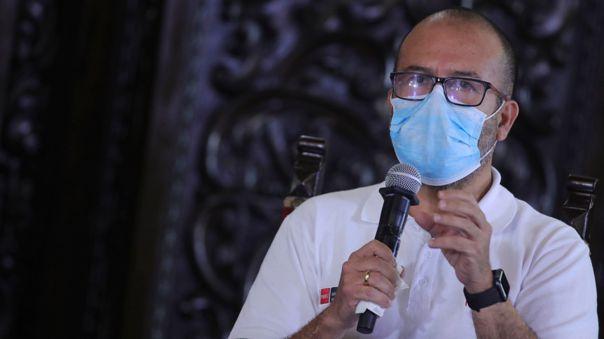 Ministro de Salud respondió a los cuestionamientos de las compras de equipo que se han dado durante su gestión para combatir el coronavirus.