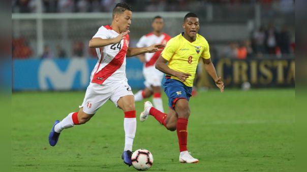 Cristian Benavente durante partido amistoso frente a Ecuador