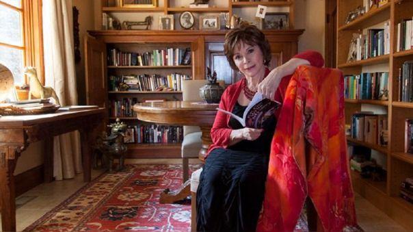 La escritora chilena ha anunciado su nueva obra este jueves a través de Facebook Live.