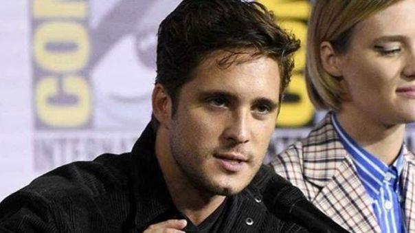 El actor señaló que el rodaje de la segunda temporada de la serie está en pausa.