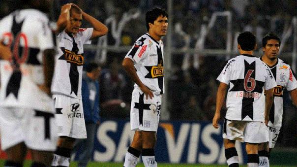 Alianza Lima fue eliminado de la Libertadores 2010 por una polémica decisión del árbitro ecuatoriano Carlos Vera