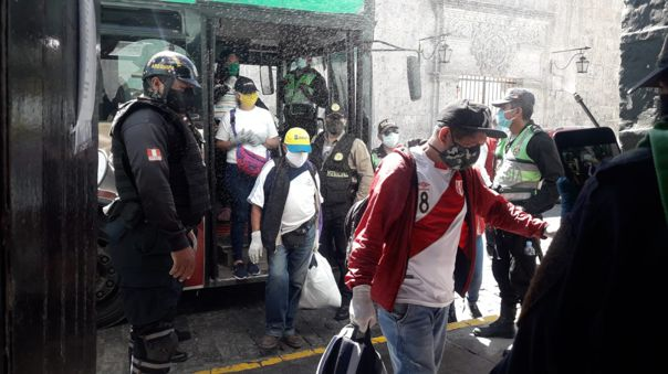 Ambulantes detenidos