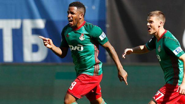 Jefferson Farfán celebrando un gol con el Lokomotiv Moscú