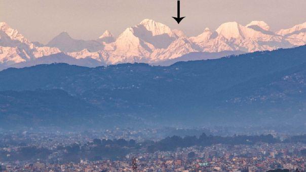 El monte Everest se asoma en la imagen.