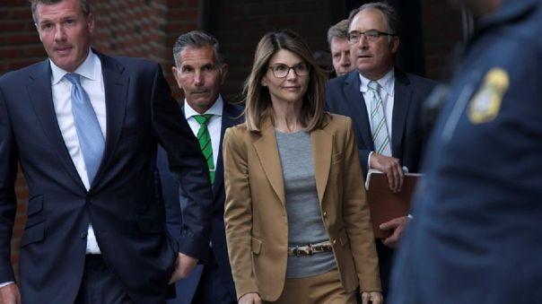 La actriz Lori Loughlin y su marido, Mossimo Giannulli, han aceptado declararse culpables de cargos de