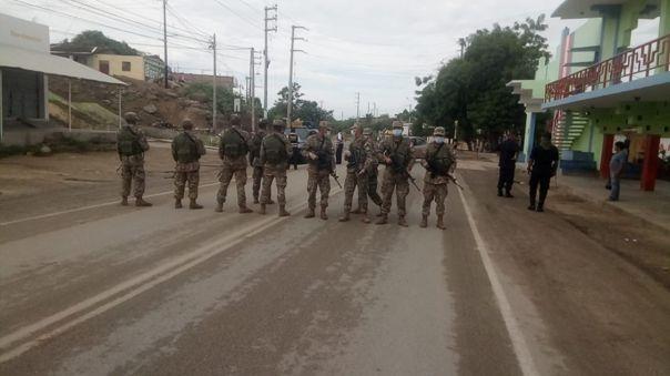 Militares en Las Lomas