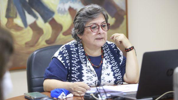 Ministra Guillén no acudió esta mañana a la reunión virtual de la comisión del Congreso.