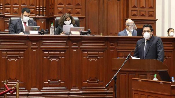 Vicente Zeballos, presidente del Consejo de Ministros, durante su presentación ante el Congreso