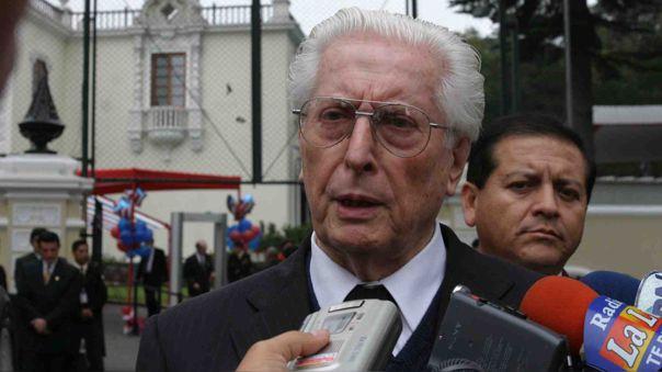 Alva Orlandini trabajó activamente en la política peruana.