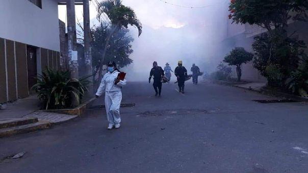 Fumigación por incremento de casos de dengue