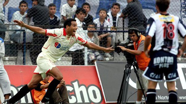 Piero Alva celebrando su gol ante Alianza Lima en Matute