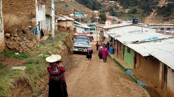 Radios emitirán clases en quechua para niños