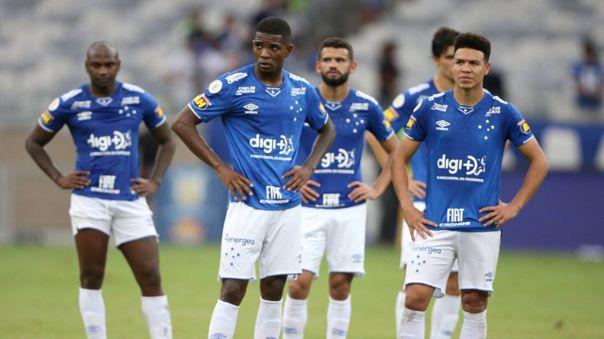 Cruzeiro rescindió contrato a Robinho y Edilson por problemas económicos