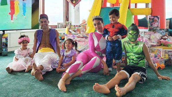 CR7 se vistió de Aladdin para celebrar el cumpleaños de sus mellizos Eva y Mateo