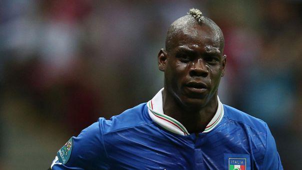 Mario Balotelli también es internacional por Italia.