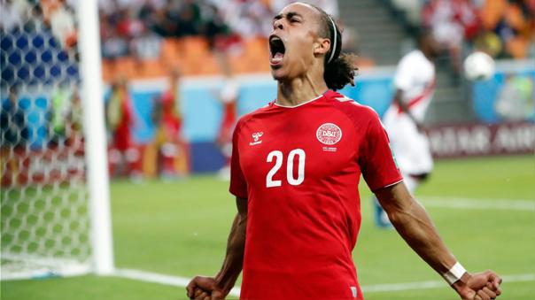 Yussuf Poulsen celebra el gol de la victoria de Dinamarca ante Perú en el Mundial 2018